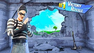 I Tried To ESCAPE THE IMPOSSIBLE PRISON in Fortnite Battle Royale!