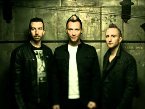 Thousand Foot Krutch - Light Up The Sky (Solomon Olds Remix)