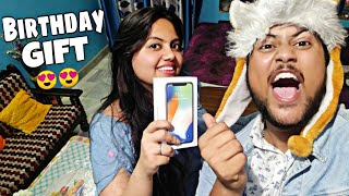 Surprising My SISTER With An IPHONE X😱🔥