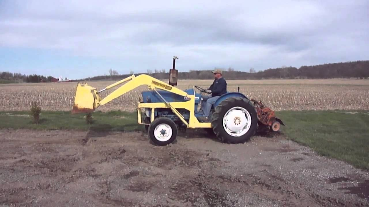 Www Hurleysequipment Com Ford 2000 Tractor With Loader For