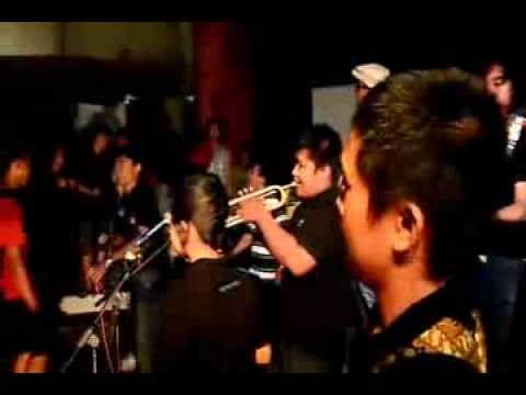Lestari Alamku (Gombloh) cover by People Latte