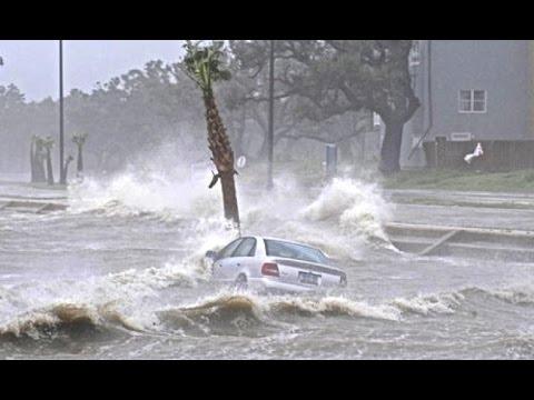 Hurricane Cyclone Hudhud Landfall & Hits Visakhapatnam India - Indian Storm 10/12/2014 [RAW FOOTAGE]