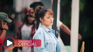 Download Lagu Siti Badriah - Nasib Orang Miskin (Official Music Video NAGASWARA) #music Gratis STAFABAND