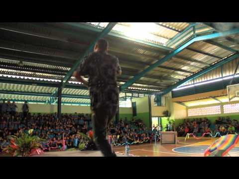 MC Crypy presentación Colegio Turrialba