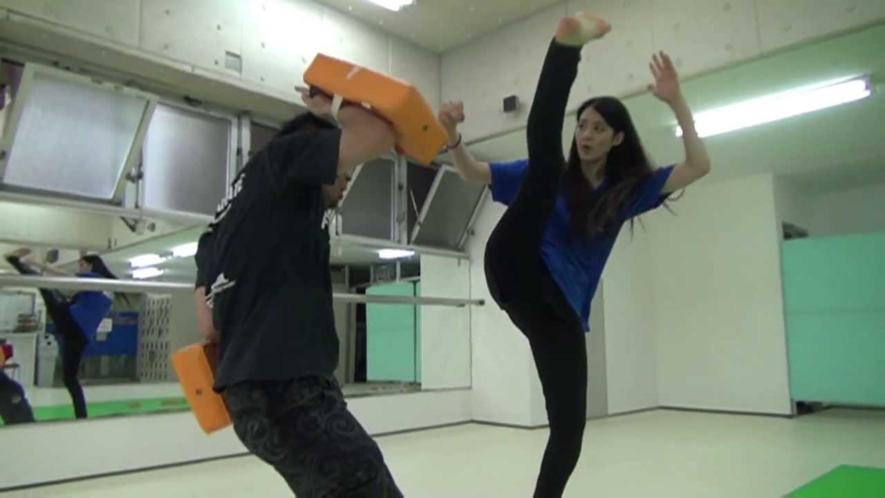 (完全版)身長170cmのモデルがハイキックしまくる映像 High Kick Beauty!