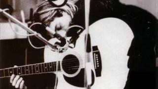 Watch Kurt Cobain All Apologies video