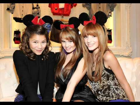 Zendaya and Bella Thorne Pictures