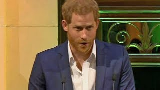 Prince Harry's Pasifika greetings draw rapturous applause in Auckland, New Zealand | Newshub