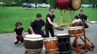 Young girls of Yume Daiko drum solos at Japanese Sakura picnic
