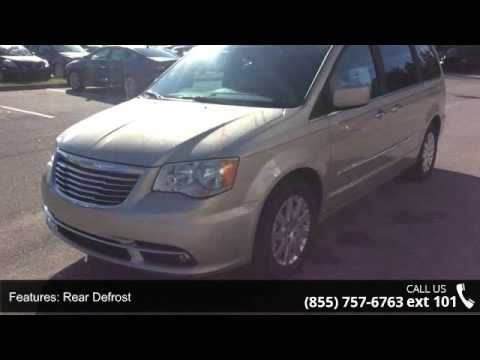 2016 Chrysler Town & Country Touring - Posner Park Chrysl...