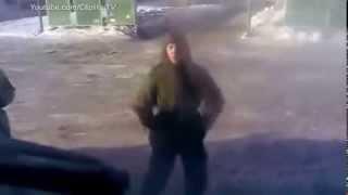 Anh lính nhảy Gangnam Style vui nhộn   clip hai