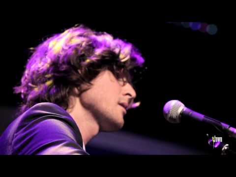 The Milk Carton Kids - &quot;Memphis&quot; (eTown webisode #381)