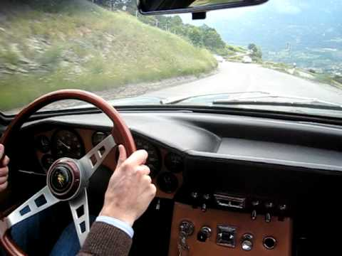 Lamborghini Islero first drive Video