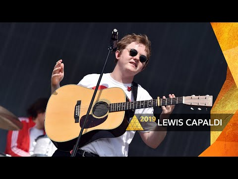 Download Lagu  Lewis Capaldi - Hold Me While You Wait Glastonbury 2019 Mp3 Free