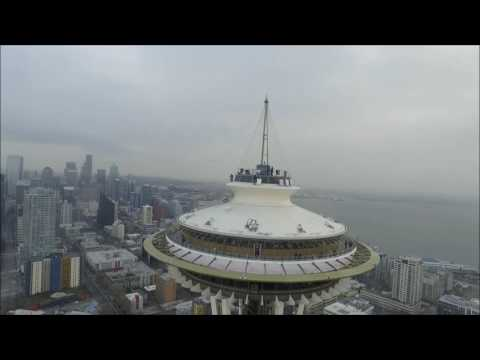 Drone strikes Seattle's Space Needle #1