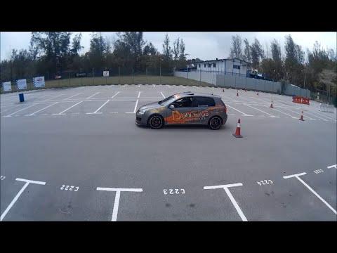 Grassroots Autotest Singapore - Suzuki Swift sport VS VW Golf GTI
