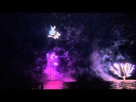 第61回支笏湖湖水まつり 支笏湖の夜空を彩る湖上花火大会