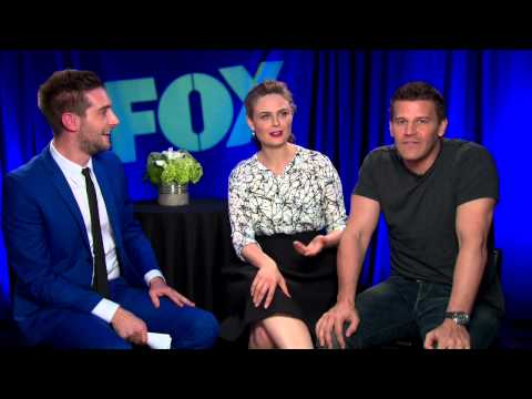 David Boreanaz has special message for DCFILMGIRL - Bones, Buffy, Emily Deschanel