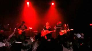 Watch Grace Potter & The Nocturnals Treat Me Right video