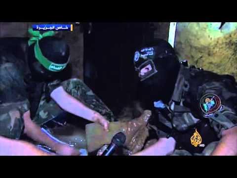 عناصر من كتائب القسام تم إنقاذهم من أحد الأنفاق Music Videos