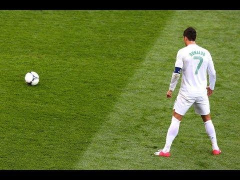 Роналду учит бить штрафные / Ronaldo free kick tutorial HD