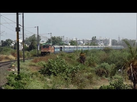 Mps Action Of Tamil Nadu Exp With Erode Wap 4 Near Misrod Bhopal video