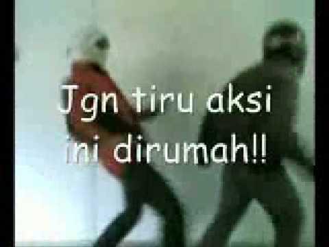 Counter Strike Melayu ( www.Aku-Sempoi.blogspot.com )