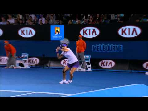 Li Na Injury Scare No.2 - Australian Open 2013