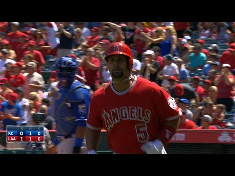 KC@LAA: Pujols homers to move into 18th place