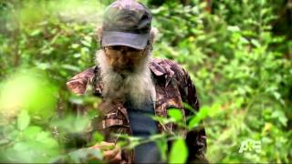 Duck Dynasty Se2Ep07 Si Eats Poop-Goodness!