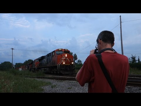Highlight - CN Intermodal Westbound on the Montreal Sub! (Full HD)