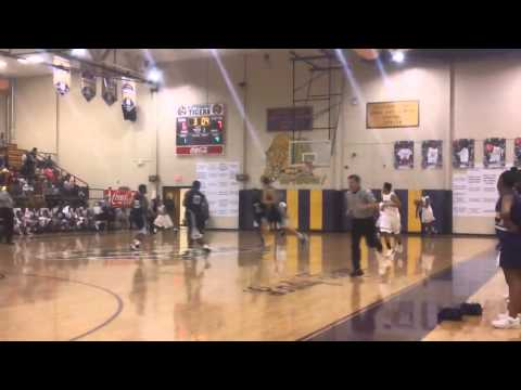 Moss Point's Devin Booker Drops 43 Points on Hattiesburg High School