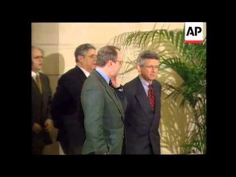 KOSOVO/FRANCE: KOSOVO PEACE TALKS HIT TROUBLE