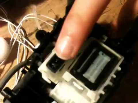 Disassembling a Brother DCP-195C printer (2)