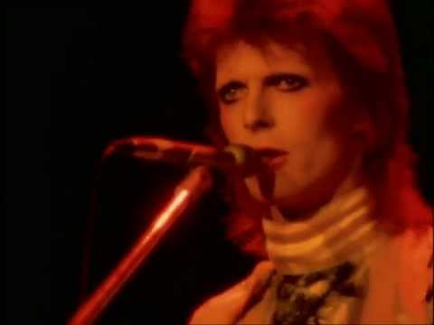 David Bowie - Moonage Daydream (live)