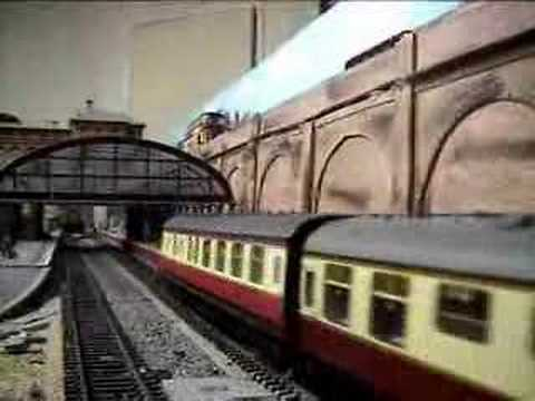 Model Railways-Trainspotting at Hollyoak Junction