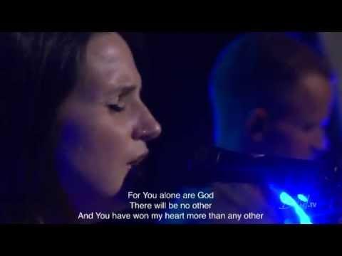 Amanda Cook - Be Still - From A Bethel TV Worship Set