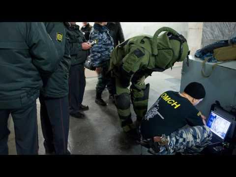 Взрыв в петербургском метро. первые кадры