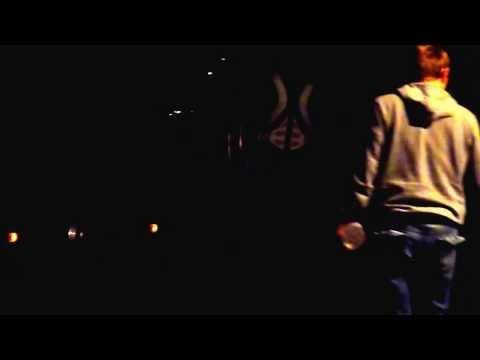 S.O.S. TATA – JUSTIN HAWKINS (The Darkness)