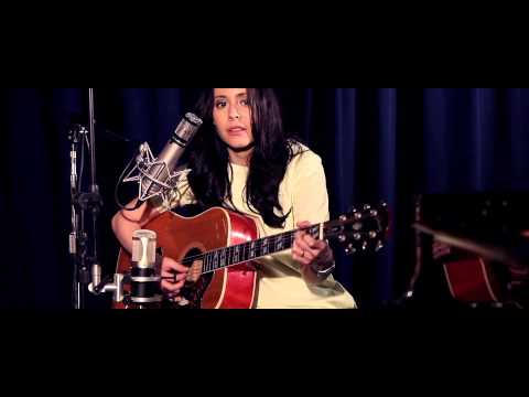 Nerina Pallot - Love Is An Unmade Bed