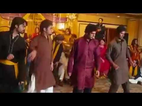 Best Mehndi Dance - Imran Khan Ni Nachleh
