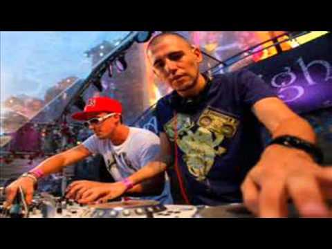 Dimitri Vegas & Like Mike vs Afrojack - Van Gogh (Tomorrowland...