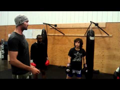 Sparring reaction drill boxing/kickboxing Image 1