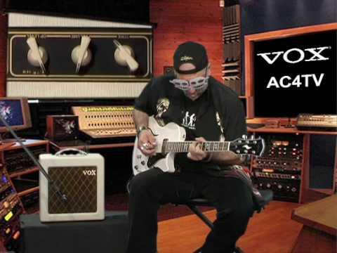 Judge Fredd & l'ampli Vox AC4TV (La Boite Noire)