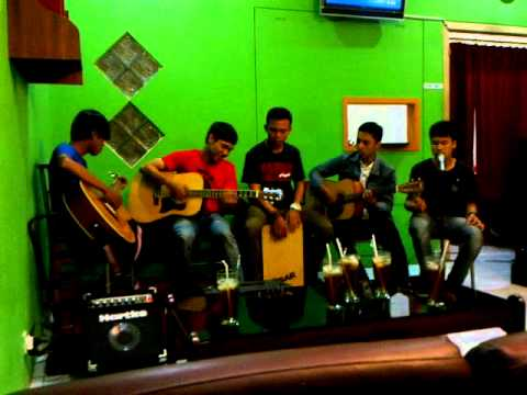 video You are my everything glenn fredly zaki n friends sunday live accoustic at waffle days