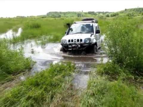 Suzuki Jimny & Suzuki Escudo on water