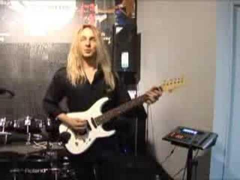 Robbyboy at Guitar showcase