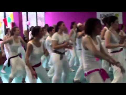 Mueve La Cadera - Zumba video