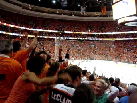 Jeff Carter Empty Net Goal, Little Flyers Fan Goes Crazy
