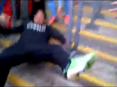 [FUNNY] Tevez &amp; Referee fall on backside after getting FA Cup medal